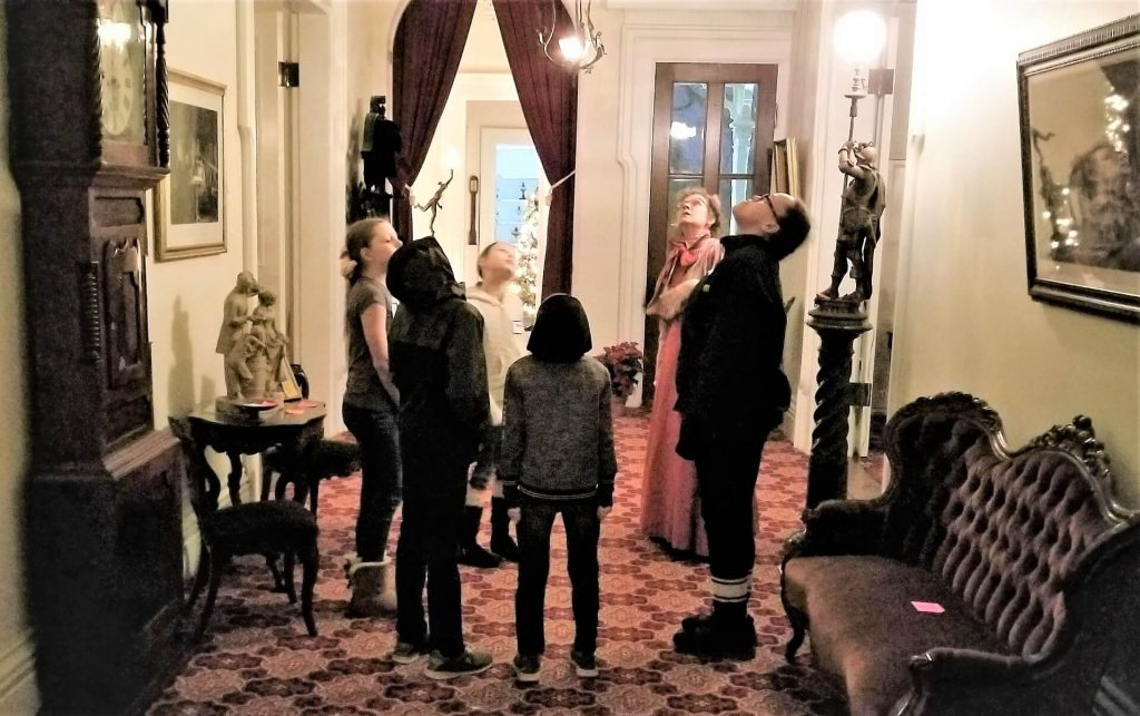 Students Tour the Lincoln-Tallman House